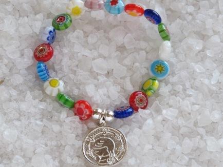 ac623b441af5 PULSERA CUENTAS MURANO VIRGEN NINA WEB.jpg. La pulsera rosario de plata ...